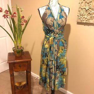 BCBGMAXAZRIA Printed Halter Dress. Size L